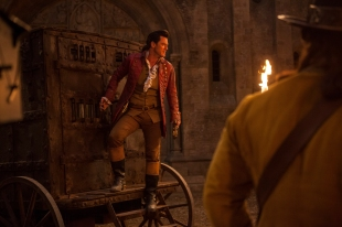 Luke Evans as Gaston in BEAUTY AND THE BEAST (2017)