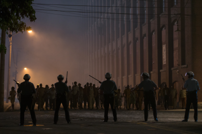 Riot face-off in DETROIT