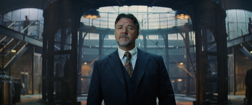 Russell Crowe co-stars in THE MUMMY (2017)