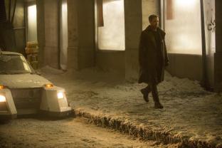 Ryan Gosling stars in BLADE RUNNER 2049.