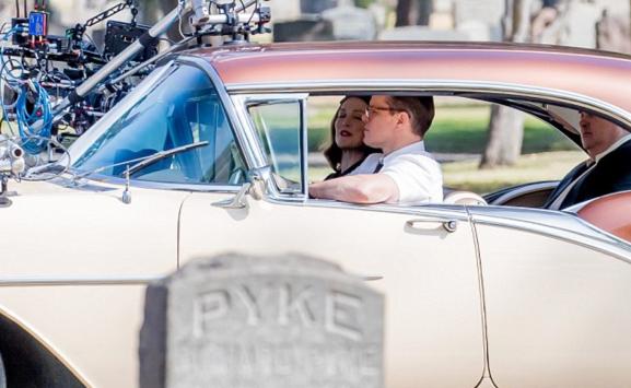 Matt Damon and Julianne Moore on set of SUBURBICON.