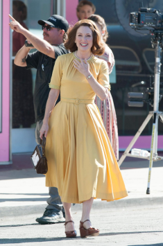 Julianne Moore on set of SUBURBICON.