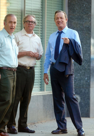Bob Odenkirk, David Cross, and Tom Hanks on set of THE PAPERS.