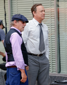 Steven Spielberg and Tom Hanks on set of THE PAPERS.