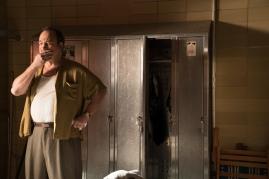 Jim Belushi co-stars in WONDER WHEEL.